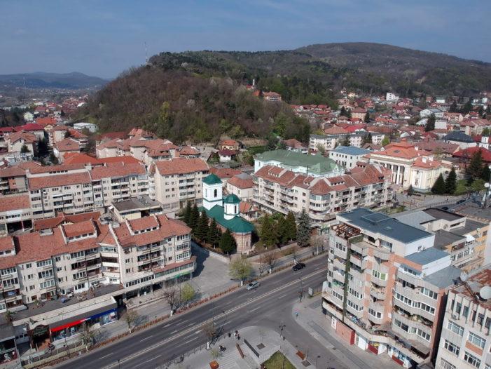 Cinci blocuri din Zona Centrală şi din Troianu îşi vor schimba aspectul în baza unei finanţări obţinute de Primăria Râmnicului de la bugetul de stat